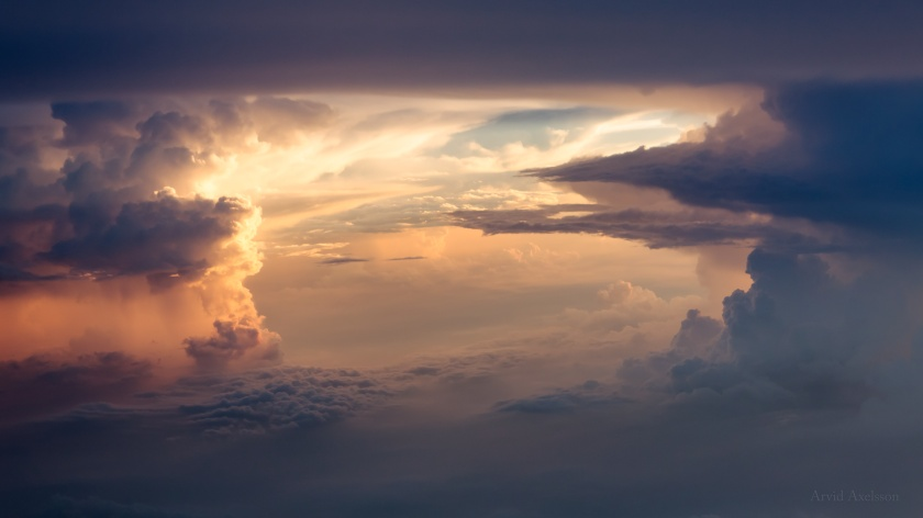 Cloud formation in sunset (2)
