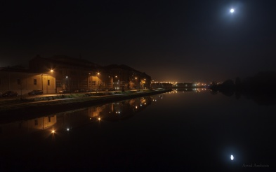 Moon over waterside (2)