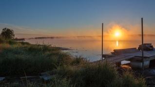 Sunrise over lake (4)